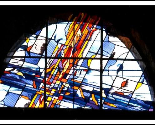 baie haute de l'église de Lavérune