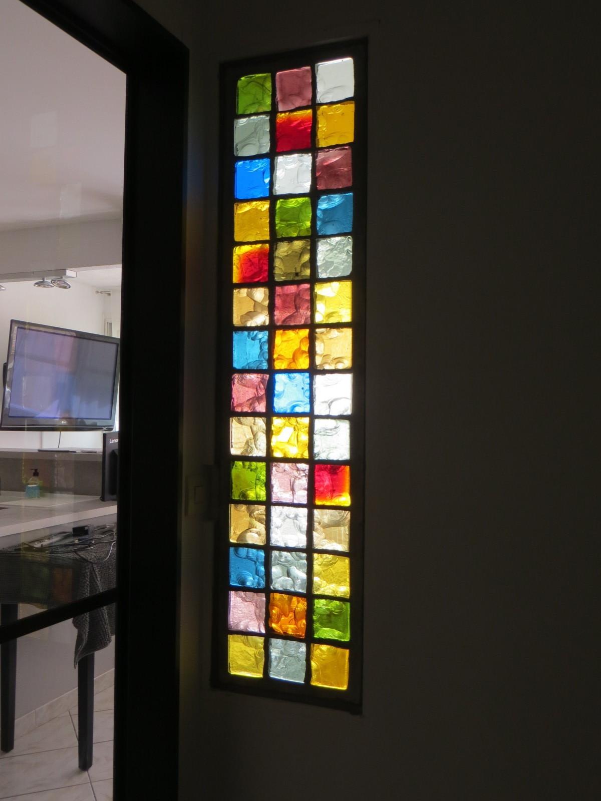 dalle en pavés de verre coloré