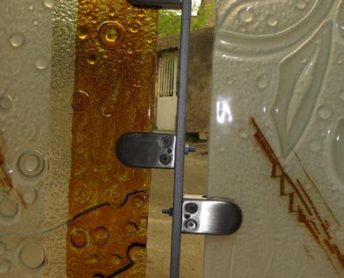 système de fixation du verre sur pinces acier inoxydable